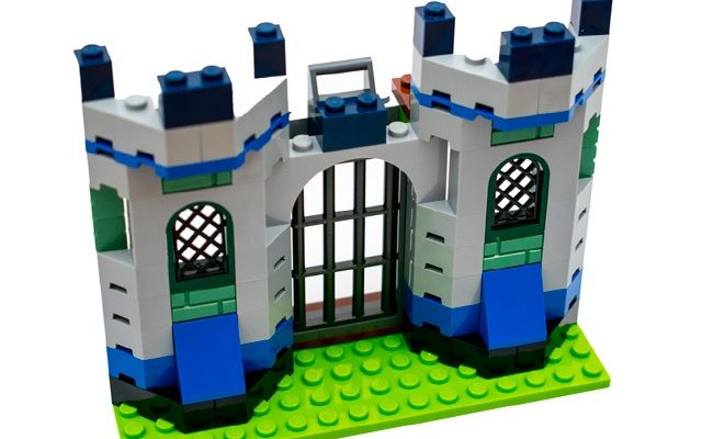 Construir castillo Lego